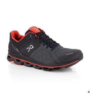 ON RUNNING - Laufschuhe Cloudace, Schwarz und Orange
